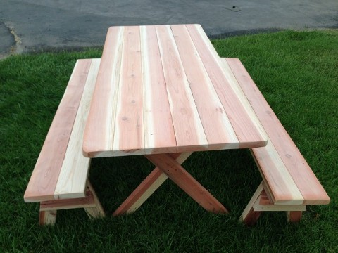 6' Redwood Picnic Table Table incl. Benches